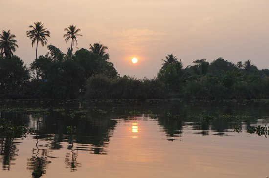 Our Land Island Backwater Resort: Sunset on the River