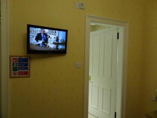 Atholl Villa: Tv