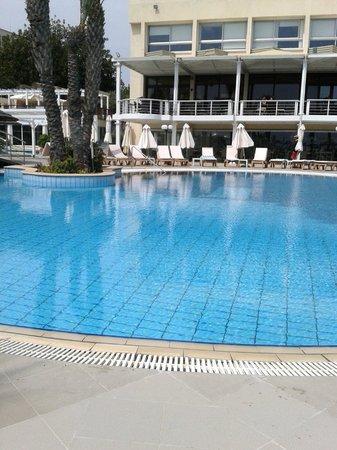 Golden Bay Beach Hotel: Outside pool