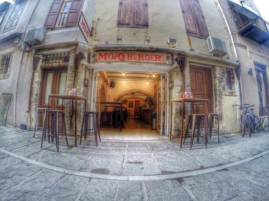 Mojo Burgers: Damvergi 38 at the 'pasarela'
