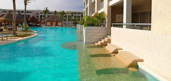 Paradisus Playa Del Carmen La Esmeralda: outside pool