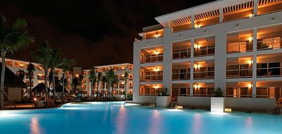 Paradisus by Meliá Playa Del Carmen La Esmeralda : hote at night