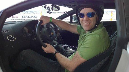Exotics Racing: Superleggera - v10, 570HP, AWD - dream to drive