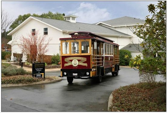 ‪Napa Valley Wine Trolley‬