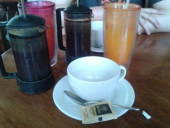 Bread & Chocolate: Kaffee und Säfte