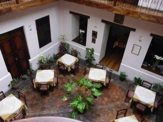 Casa Ordonez : Courtyard/Lobby breakfast area