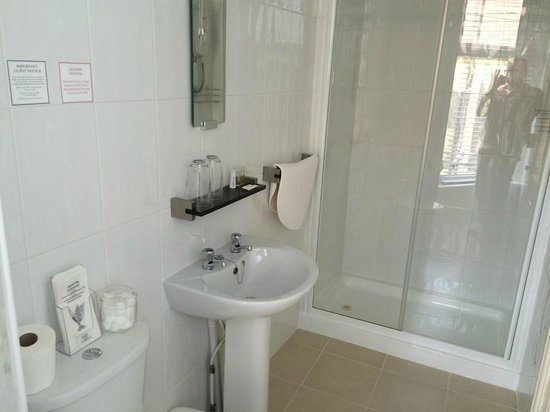 The Waterford: Bathroom