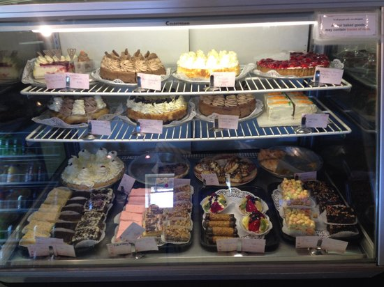 Shananigan's Coffee & Dessert Bar: Full display