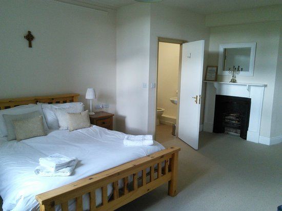 Launde Abbey: double room