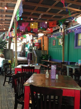 Cantina del Rio: Tin-roof covered porch.