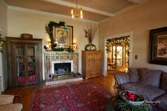 Elliott House: Gathering Room