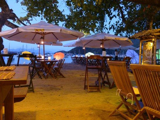 Abraao Beach : Restaurante Pé na Areia