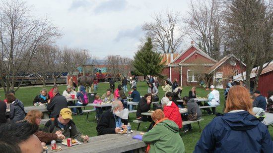 Apple Valley BBQ at Parkdale, OR April 5, 2014
