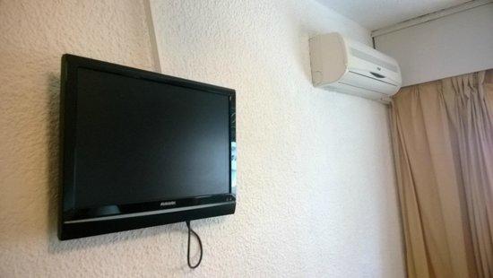 Shelton Hotel: Tele y aire