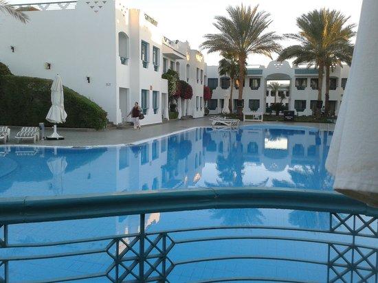 Falcon Hills Hotel: Falcon hills big pool
