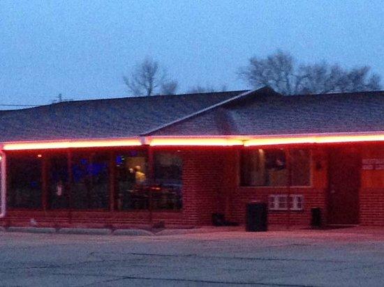 motel raine neon lights help you find this little gem - Motels In Valentine Nebraska