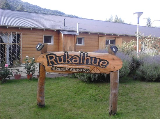 Rukalhue Hostel: Frente do Hostel