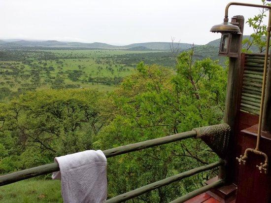 Soroi Serengeti Lodge: Outdoor shower was nice!