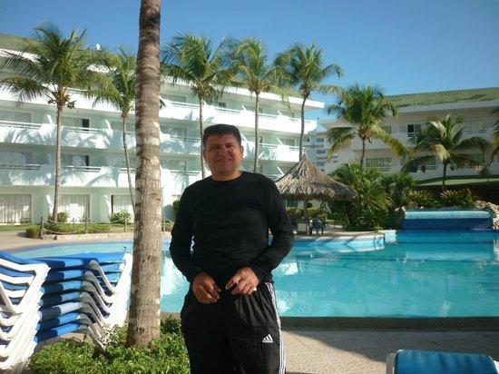 SUNSOL Isla Caribe: ÁREA PISCINA