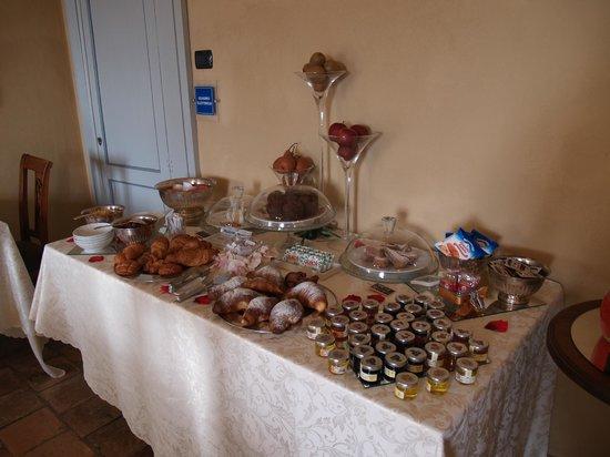 Antico Borgo Monchiero : Colazione