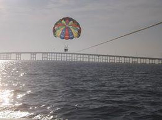 Breakaway Cruises: Parasailing at SPI