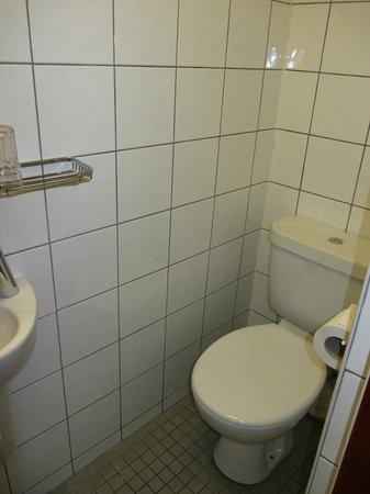 Wardonia Hotel : Toilet
