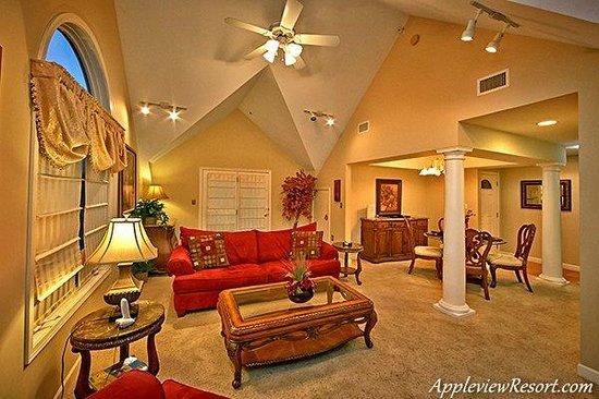 Appleview River Resort: Living Area