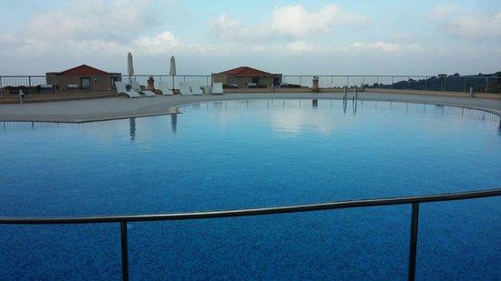 Akamas Health Farm & Spa: Outdoor Swimming pool