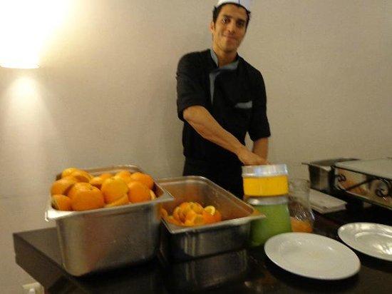 Kenzi Europa : Des vitamines : jus d'oranges