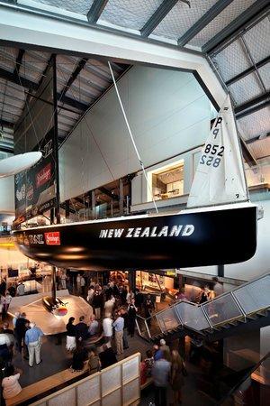 Voyager New Zealand Maritime Museum : Blue Water Black Magic