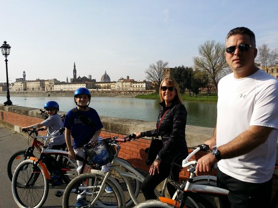 Italy Cruiser Bike Tours: By the Arno River