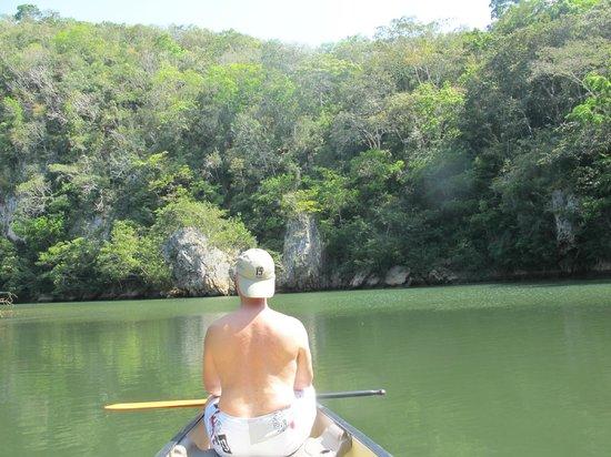 Mystic River Resort: Paddling to San Ignacio