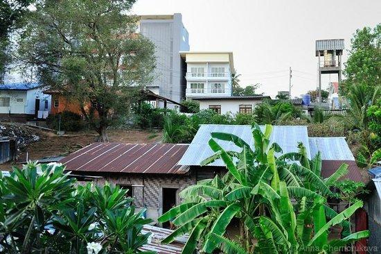 Surintra : Вид с балкона номера Делюкс