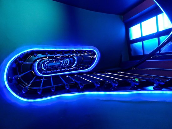 Neon photo de hotel original paris paris tripadvisor for Neon pour chambre