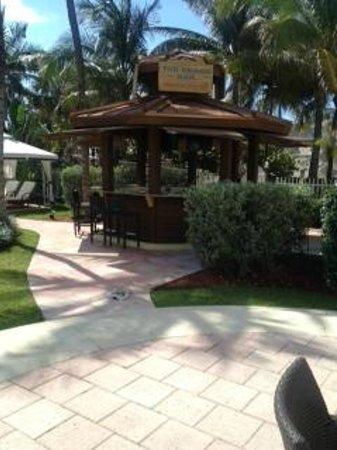 Westgate South Beach Oceanfront Resort: Tiki Bar