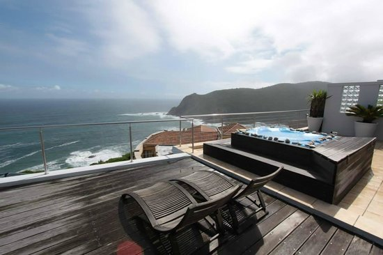 The Alexander: View at the knysna heads from private deck