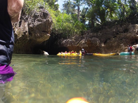 Maximum Adventure Tours: Look at all those Cave Tubers Tied Together!
