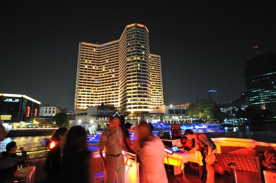 Royal Orchid Sheraton Hotel & Towers : View of hotel from boat cruise