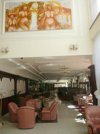 Lysec: Decoration of dining room