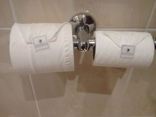 Macdonald Craxton Wood Hotel & Spa: Loved the choice of toilet roll!
