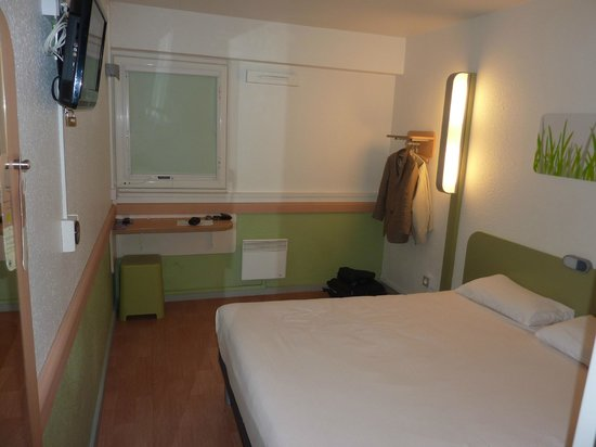 Ibis Budget Toulouse Centre: Chambre spacieuse
