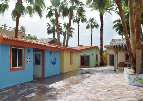 El Tiburon Casitas: All Casitas around a central Pool