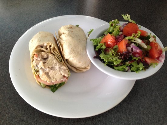 The Royal Palms Resort Bar & Grill: Chicken Salad Wrap