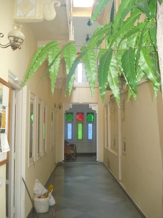 Hotel Aashiya Haveli: Way to hotel room