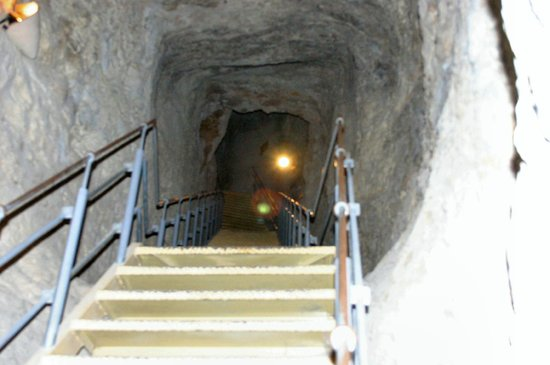 Jerusalem Walls - City of David National Park: Going down to the well