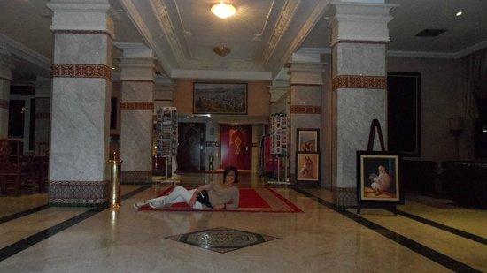 Zalagh Parc Palace : En el lobby del hotel antes de ir al spa a darme un hammam.