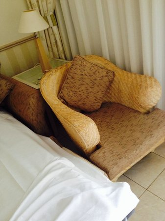 Dream Gran Castillo Resort: Squashed furniture