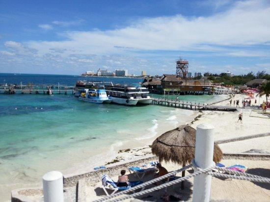 Hotel Dos Playas Beach House: Hotel dos playas. Vista do pier saída para ilha das mujeres