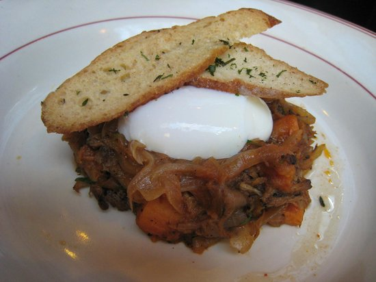 The Park : Pulled pork with spicy sweet potato hash