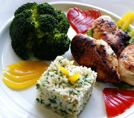 Zefinha Bistrô : Sobrecoxas de frango desossadas e grelhadas